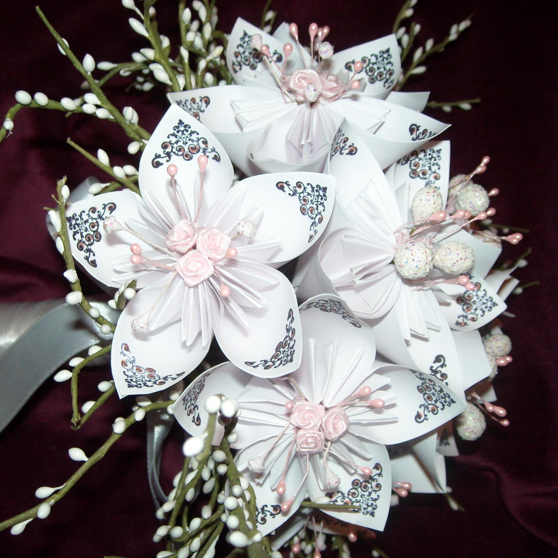 Papierblumen-Hochzeits-