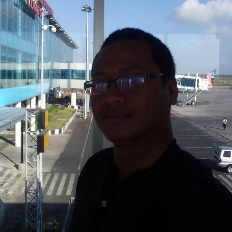 Adi Gunawan (@adigx3)