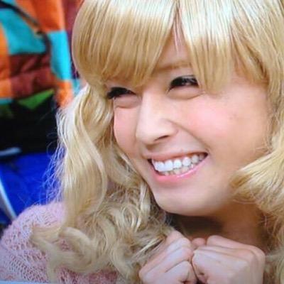 金髪ロングヘアーの女装をした手越祐也のかわいい画像