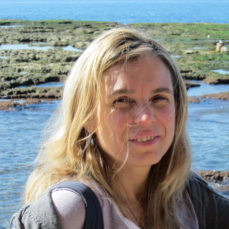 Oana Juncu Profile Pic