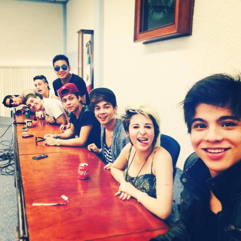 Youtubers Colombia (@BestYoutubersCo)