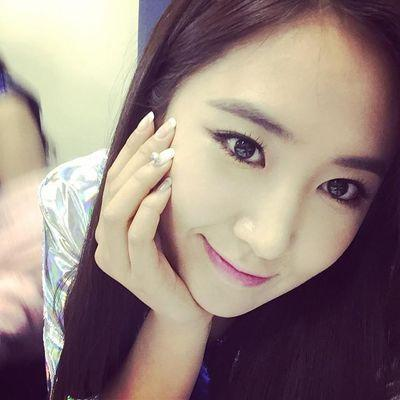 67715045614d Kwon Yuri ( xyurliekwon)