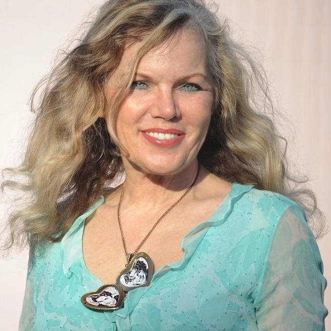 Lynne Ross Nude Photos 16