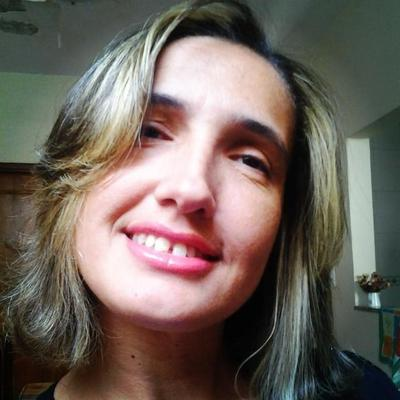 Iara Netto | Social Profile