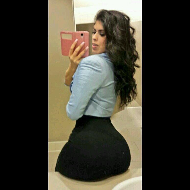Yasmina Angele (@LAWeeklyxfbaz)