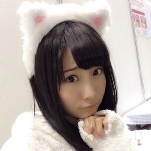 猫耳姿の柴田阿弥