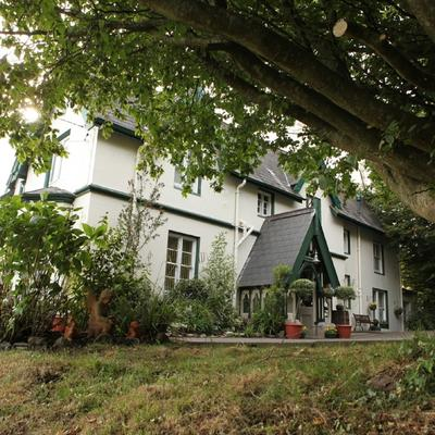 Robin Hill House (@robinhillcobh) Twitter profile photo