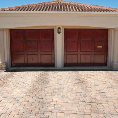 Alpha garage doors alphagaragedo0r twitter for Alpha garage roanne