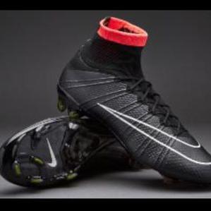 Botas De Futbol Negras Nike