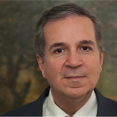 Juan M Velásquez