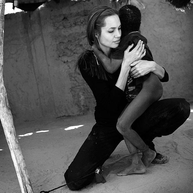 Angelina Jolie (@AJHumanitarian) | Twitter