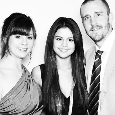 Selena Gomez & Mother Mandy Teefey Unfollow Each Other on Instagram | Mandy  Teefey, Selena Gomez : Just Jared