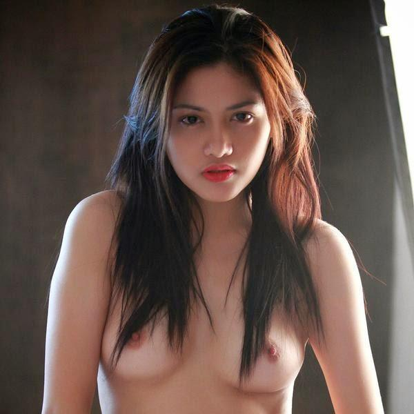 free-neked-women-indonesia-foto-with-big