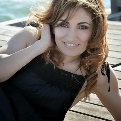Paola Lavini Nude Photos 6