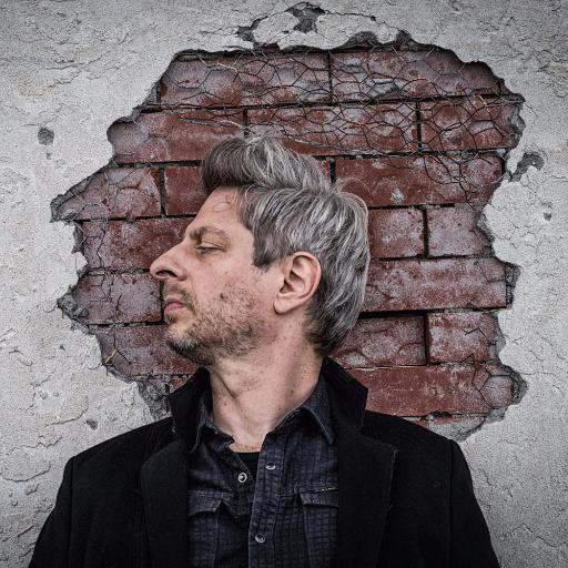 Mike Gordon Social Profile