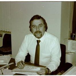 Dennis Ward salary