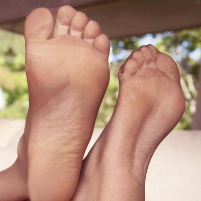 Feet Links Kara Pantyhose Soles Toes 1