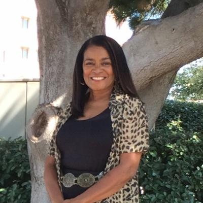 Sharon Simpson (@NieceyFields) Twitter profile photo
