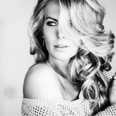 Femke Herygers deelt sexy foto in bikini   Redactie24