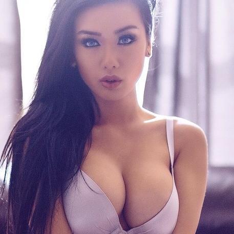 nude photos of shreya