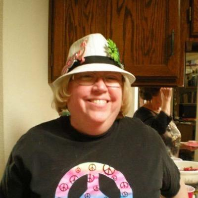 Desert Dweller turned unlikely political activist, because I can no longer sit by & watch. I wear hats.