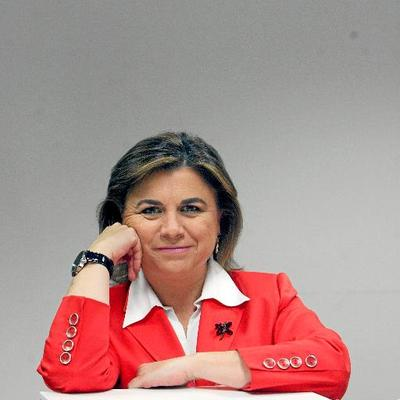 Lucía Méndez, premio 'Josefina Carabias' de periodismo parlamentario: «Hacen falta menos redes sociales y más reflexión»