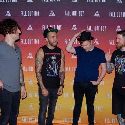 Boys of zummer info on twitter fall out boy signing the posters boys of zummer info m4hsunfo Choice Image