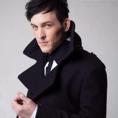 how tall is oswald cobblepot