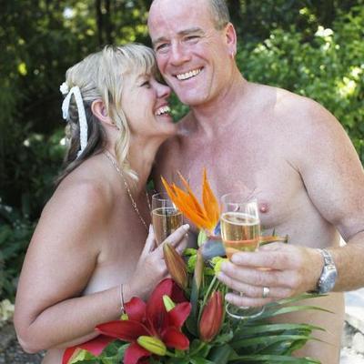 Nudist dateing