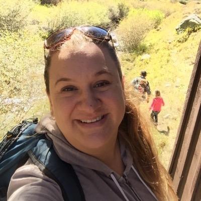 Melanie Villanueva 🌼 (@MrsVchemistry) Twitter profile photo