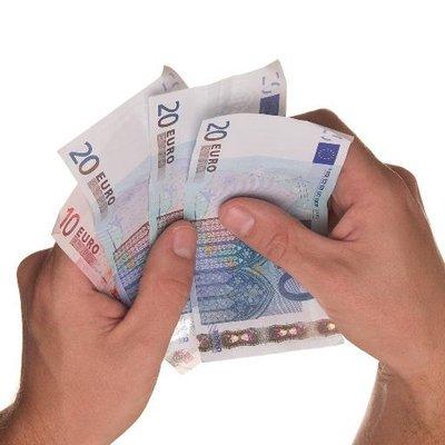 at låne penge