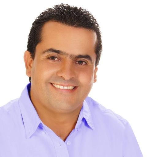 Adesivo De Rosto ~ Fernando Muñoz DQ (@fernandomunozdq) Twitter