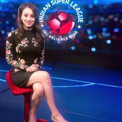 Online young girl upskirt spread legs