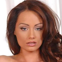 Sophie Lynx Nude Photos 21