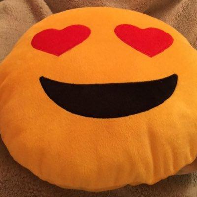 emoji kisses emojikisses twitter