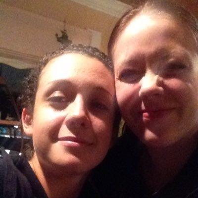 Emily Όσμεντ χρονολογίων 2014 40 και παλαιότερες ιστοσελίδες γνωριμιών