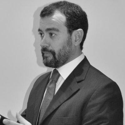 "Manolo Gª Gallegos <a href=""https://twitter.com/manologallegos"" class=""twitter-follow-button"" data-show-count=""false"">@manologallegos</a>"