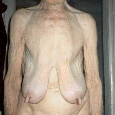 oma ist nackt