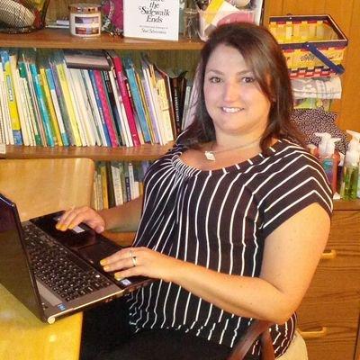 Heather Wawrzyniak (@HeatherWaz321) Twitter profile photo