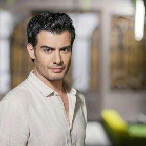 Andres Palacios dating