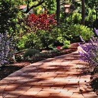 Fine Lawns & Gardens