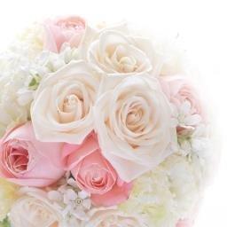 Fleur Couleur バラ トルコキキョウ カーネーション チドリソウ アスチルベ ダイヤモンドリリー ピンクの花材をたくさん集めたラウンドブーケを3シェアに保存加工 ひとつは新郎新婦さまのお手元に ふたつは両家ご両親さまへ感謝のギフ