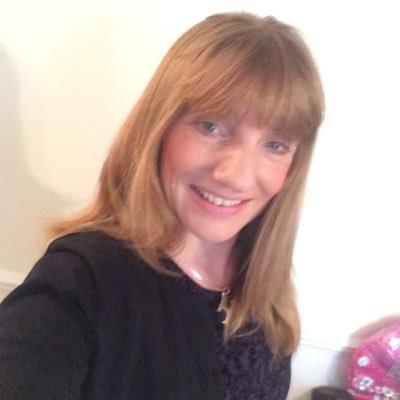 Helen Jones (@HelenCJo67) Twitter profile photo