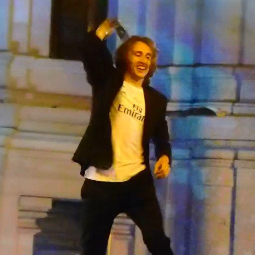 Luka Modrić Image 5: Modrić Dancing To (@DancingLuka)