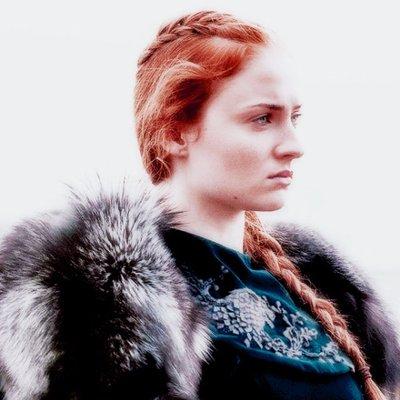 Sansa Stark On Twitter Quien Es Ese Salvaje Que Me Mira Y Me