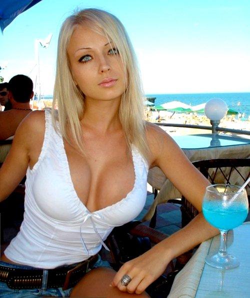 Sylvia bikini in sex