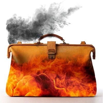 To Hell In A Handbag ( HandbagToHell)  f3238ef47a3b3