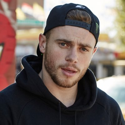 Gus Kenworthy breaks thumb & jokes he won't have to shake Pence's hand
