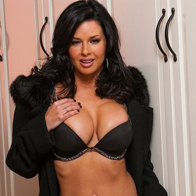 Veronica Avluv picture 49