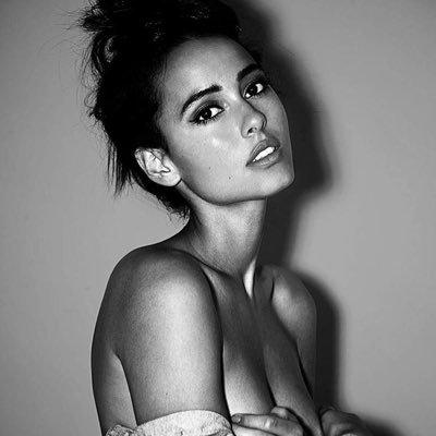 Chelsea Gilligan photoshoot
